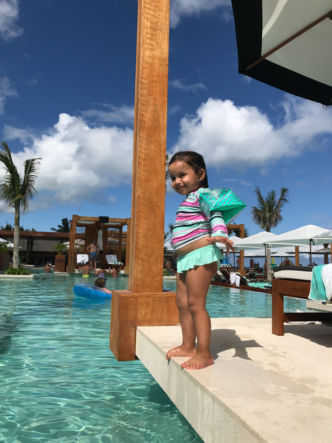 Mexico Resort Beach Club - book the most exciting beachclub in Riviera Maya with kids and family members